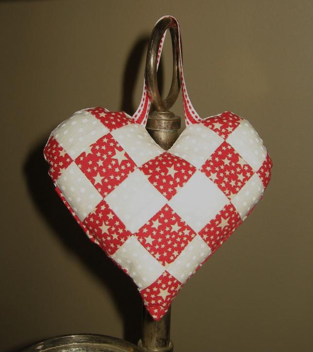 Tutorial - Pretty Patchwork Heart Pocket (2/6)